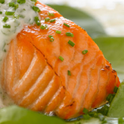 Broiled Salmon with Herbed Yogurt Sauce