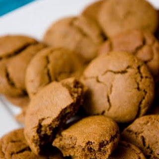 Gingersnap Cookies – Making Them Is a Snap!