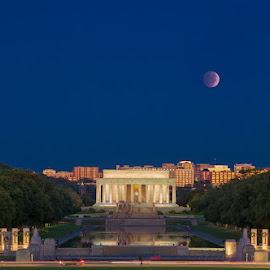 Red Moon, Lunar Eclipse by David Kiel - Buildings & Architecture Statues & Monuments ( dc, washington, moon, lunar eclispe, red moon )