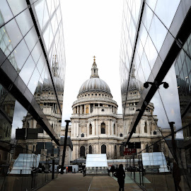 St Paul's Cathedral by Almas Bavcic - City,  Street & Park  Historic Districts