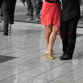 Tango contest by Victor Eliu - People Body Parts ( tango contest, body parts, one coloured part, black and white, people, selective color, pwc )