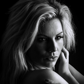 self hug by Paul Phull - Black & White Portraits & People ( blonde, black and white, model., portrait, woman, b&w, person )