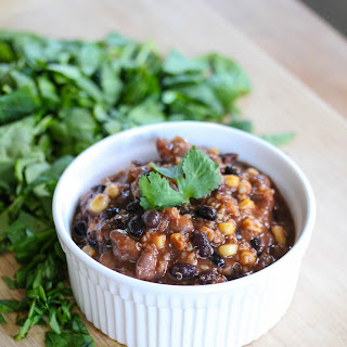 Slow Cooker Bean And Quinoa Chili