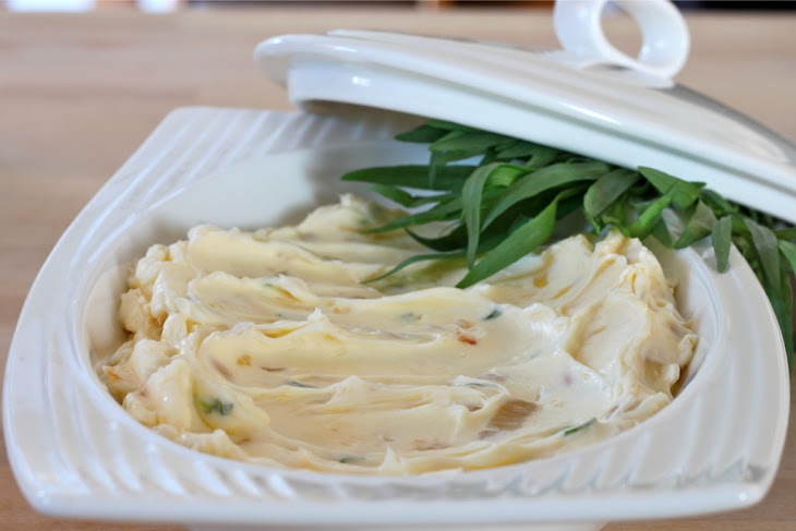 Roasted Garlic, Caramelized Shallots and Tarragon Whipped Butter ...