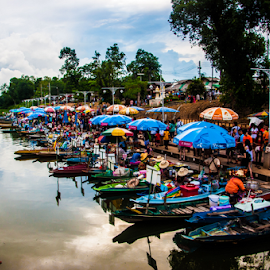 Floating Market II by Zain Zulkarnain - Landscapes Travel ( nature, serene, green, thailand, landscape, breathtaking, people, business )