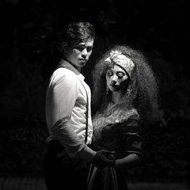 in the dark by Shabby Crazzy - People Couples ( lighting, photography )