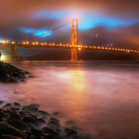 The place for lovers by William Lee - Buildings & Architecture Bridges & Suspended Structures ( water, lovers, hand in hand, romantic, ocean, golden gate, romance, city, emotion, love, foggy, fog, couple, night, long exposure, bridge, san francisco,  )