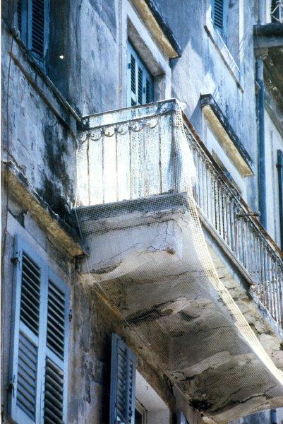 BG+44+balcon+bleu.jpg