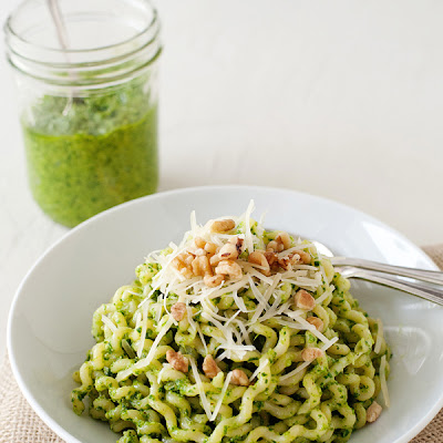 Arugula and Walnut Pesto Pasta