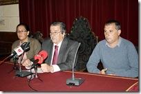 De izquierda a derecha, Almudena Correal, Vicente de Gregorio y Francisco Bermejo, en la rueda de prensa de hoy.