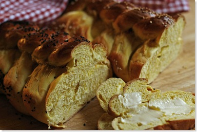 Challah buttered_redigerad-1