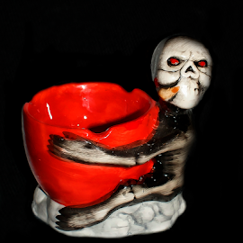 stop smoking by Branka Radmanić - Artistic Objects Cups, Plates & Utensils