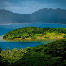 The island of Bora-Bora, South Pacific. by Rob Taylor - Travel Locations Air Travel ( island bora bora )