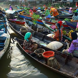 by Muhammad Farabi - Transportation Boats