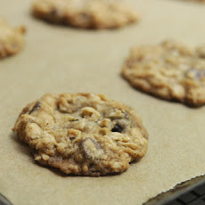 Crispy Oatmeal Chocolate Chip Cookies