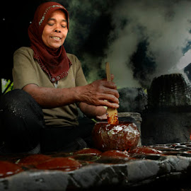 Sugar cane maker by Muhasrul Zubir - People Professional People