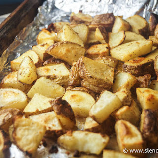 Simple Garlic Roasted Potatoes