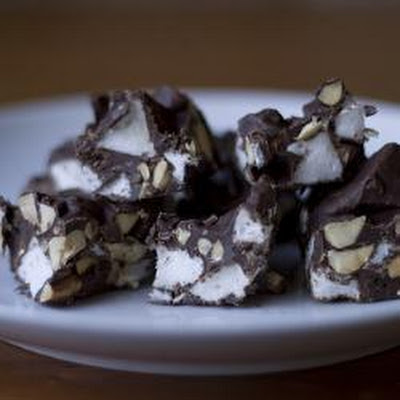 No Cooking Mini Rocky Road Cakes