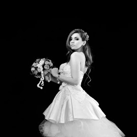 I'm Yours by Roby Tirtawidjaja - Wedding Bride