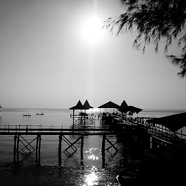 BW kenjeran beach by Herry (Himura Kenshin) - Instagram & Mobile Android