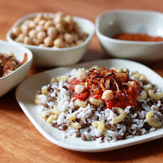 Koshari (Egyptian Rice, Lentils and Macaroni with Spicy Tomato Chile Sauce)