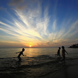 Chasing The Sunrise by Andy Adam - Landscapes Sunsets & Sunrises ( adam, indonesia, children, sunrise, landscape, batam, andy )