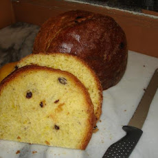 B. Voycheshin's Easter Bread With Saffron and Raisins