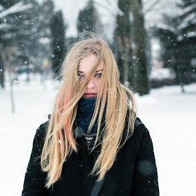 Rk by Andi Topiczer - People Portraits of Women ( wind, portret, denisa rk, 50mm, andi topiczer, portrait, brasov, contrast, blonde, winter, girl, blue eyes, canon 60d, hair )