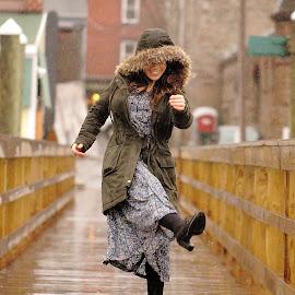 by Benjamin Boynton - People Street & Candids ( rhode island, woman, candid, newport, ocean, portrait, dock, rain )