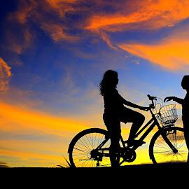 ketemu konco by Wartono Kumpulono - Transportation Bicycles