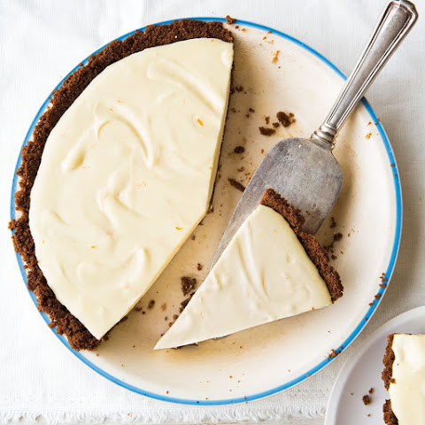 Lemon Chiffon Gingersnap Pie