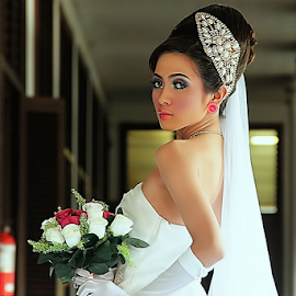 by Ayahnya Cakrabuwana - Wedding Bride