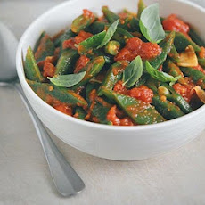 Runner Beans With Tomato, Garlic & Chilli