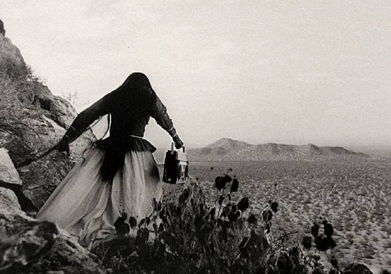 artwork_images_1050_204545_graciela-iturbide