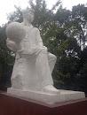 西南交大主楼雕塑