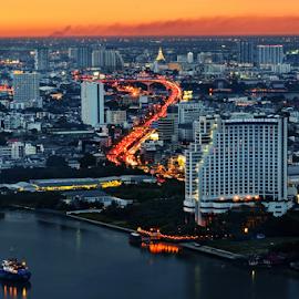 Good Evening Bangkok by Roof LovelyAim - City,  Street & Park  Vistas ( kasikorn, famous, r.oof, building, rooflovelyaim, beautiful, d3100, good evening, thailand, 18-105, city, roof lovelyaim, 18-105vr, kasikorn bank, nikon d3100, tourist attractions, view, evening, nikon af-s dx vr 18-105, top )