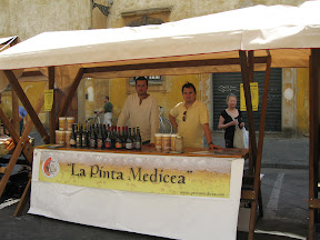 lo stand della pinta medicea a il mercatale - 5 luglio 2008