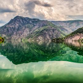 Lake Koman - Albanie by Wim Moons - Landscapes Mountains & Hills ( lëvrushk, shkodër, alb, albanië )