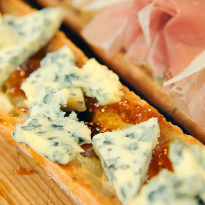 Open-Faced Baguette with Fig Marmalade and Blue Cheese