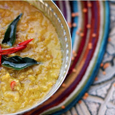 Sri Lankan Masur Dal with Tamarind, Curry Leaves & Coconut Milk