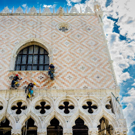 Worker's on the Doge's Palace by Yenting Chen - Buildings & Architecture Public & Historical