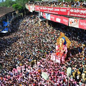 Mumbaikar..! by Milind Shirsat - People Street & Candids ( mumbai, god, street scene, people, crowd )