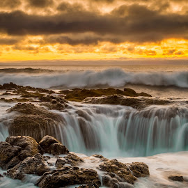 Thor's Well by Christian Flores-Muñoz - Landscapes Waterscapes ( natural wonder, central oregon coast, cape perpetua, thors well, seascape )