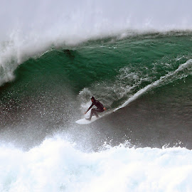 deep in the green room by Magdalena Wysoczanska - Sports & Fitness Surfing