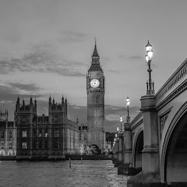 Ben and Elizabeth  by Roland Bast - Buildings & Architecture Public & Historical ( black and white, summer, big ben, nightscape )