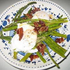 Asparagus With Bacon And Poached Eggs