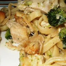 Chicken and Broccoli Fettuccini Bake
