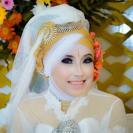 by Asridjaja Apolita - Wedding Bride ( fashion, model, fifastufoni-fotografi, wedding, pengantin )