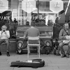 Music by Gil Reis - City,  Street & Park  Street Scenes ( musicians, art, street, travel, places, people )