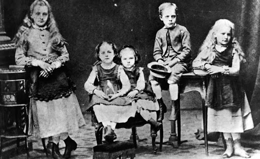 The Sklodowski children: Maria is on the center, 1872